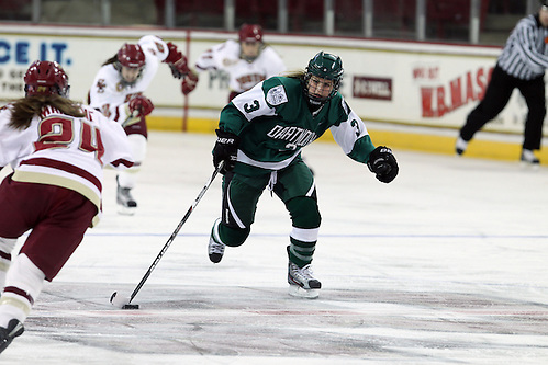 Ali Winkel of Dartmouth rushes up ice (David Silverman Photography)