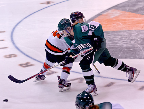 Laura Stacey (Dartmouth - 10) and Gabie Figueroa (Princeton - 21) battle for the puck. (Shelley M. Szwast)