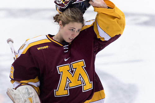 Amanda Leveille (Minnesota - 29) made 19 saves as Minnesota defeated Princeton at Hobey Baker Rink in Princeton, NJ.. ((c) Shelley M. Szwast 2014)
