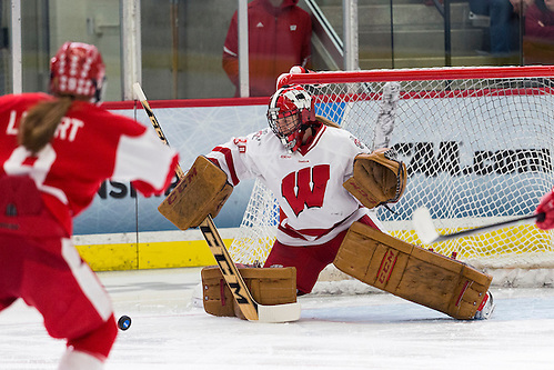 Wisconsin Badgers goalie Ann-Renée Desbiens (Photo by David Stluka) (David Stluka)