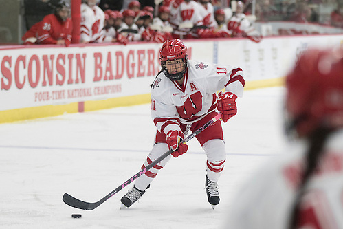 Wisconsin Badgers Sydney McKibbon (11) handles the puck during an NCAA women's hockey game against the Ohio State Buckeyes Sunday, October 11, 2015, in Madison, Wis. The Badgers won 8-0. (Photo by David Stluka) (David Stluka/David Stlua)