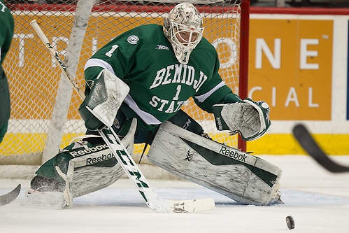 23 Jan 16:  Michael Bitzer (Bemidji State - 1).  The University of Minnesota Golden Gophers play against the Bemidji State University Beavers in a North Star College Cup semifinal matchup at the Xcel Energy Center in St. Paul, MN. (Jim Rosvold)