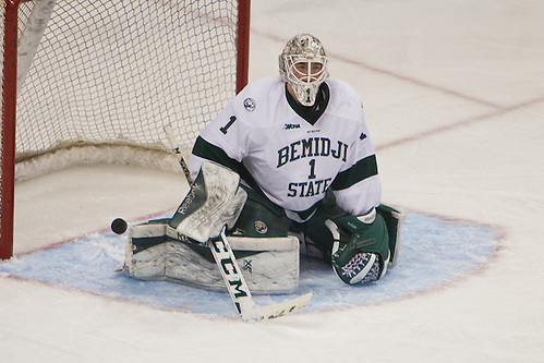 23 Jan 16:  Michael Bitzer (Bemidji State - 1). The St. Cloud State University Huskies play against the Bemidji State University Beavers the North Star College Cup Championship game at the Xcel Energy Center in St. Paul, MN. (Jim Rosvold)