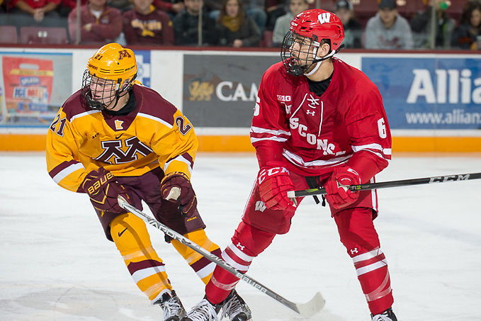 2 Dec 17: The University of Minnesota Golden Gophers hosts the University of Wisconsin Badgers in a B1G matchup at 3M Arena at Mariucci in Minneapolis, MN. (Jim Rosvold/USCHO.com)