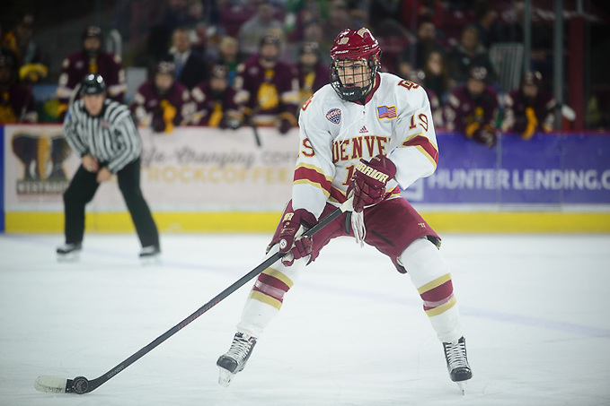 Minnesota-Duluth at Denver at Magness Arena, Dec. 10, 2016. (Candace Horgan)