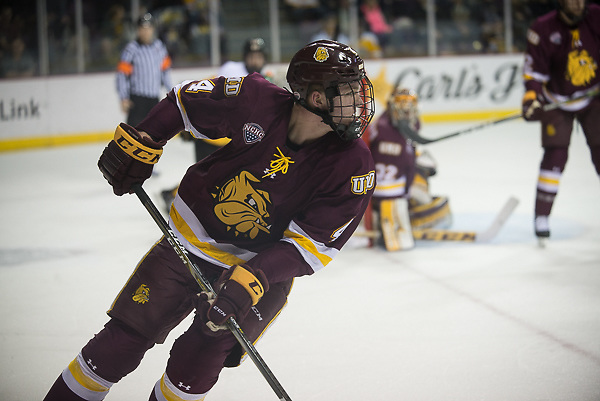 Dylan Samberg of Minnesota Duluth. Minnesota Duluth vs. Colorado College at World Arena, Jan. 13, 2018. (Candace Horgan)