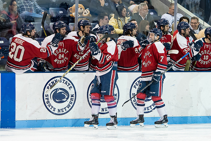 Robert Morris players celebrate a goal by Spencer Dorowicz (15 - Robert Morris) just 27 seconds into the game (Omar Phillips 2017)