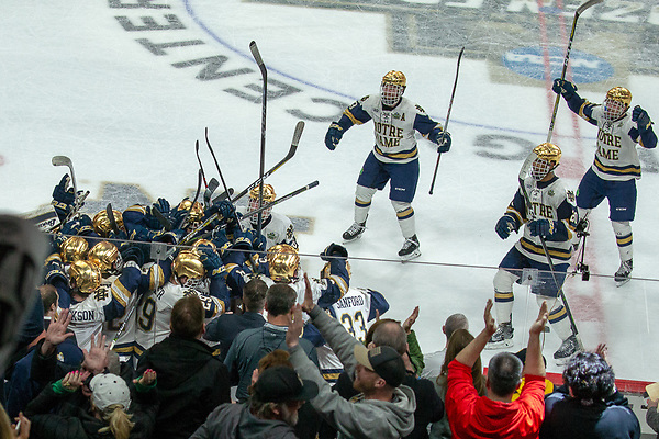 5 Apr 18: The University of Michigan plays against the University of Notre Dame in a national semifinal of the the 2018 NCAA Division 1 Men's Frozen Four at the Xcel Energy Center in St. Paul, MN. (Jim Rosvold/USCHO.com)