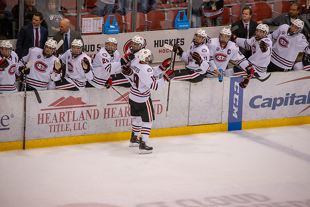 19 Oct 18: Sam Hentges (St. Cloud - 19). The St. Cloud State University Huskies host the Northern Michigan University Wildcats in a non-conference matchup at the Herb Brooks National Hockey Center in St. Cloud, MN. (Jim Rosvold)