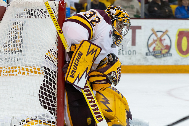 6 Oct 18: Hunter Shepard (Minnesota Duluth - 32). The University of Minnesota Golden Gophers play against the University of Minnesota Duluth Bulldogs in a non-conference matchup at AMSOIL Arena in Duluth, MN. (Jim Rosvold/University of Minnesota)