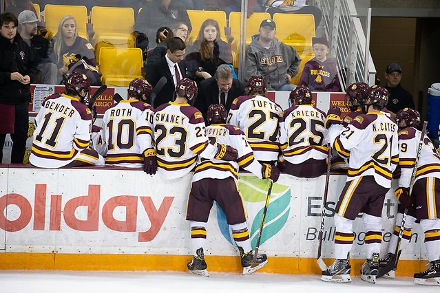 6 Oct 18:  The University of Minnesota Golden Gophers play against the University of Minnesota Duluth Bulldogs in a non-conference matchup at AMSOIL Arena in Duluth, MN. (Jim Rosvold/University of Minnesota)