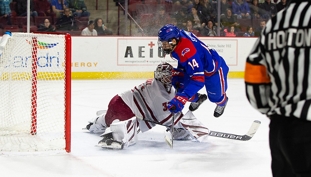 AMHERST, MA - JANUARY 4: NCAA hockey at the Mullins Center on January 4, 2019 in Amherst, Massachusetts. (Photo by Richard T Gagnon) (Richard T Gagnon)