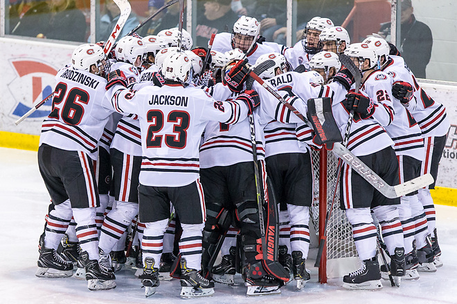 SCSU team 2018 December 8 St.Cloud State University hosts University of Nebraska Omaha in a NCHC contest at the Herb Brooks National Hockey Center (Bradley K. Olson)