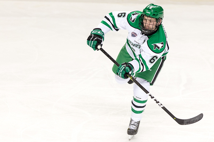 Colton Poolman (UND-6) 2018 November 3 The University of North Dakota hosts the Wisconsin Badgers in a non conference matchup at the Ralph Engelstad Arena in Grand Forks, ND (Bradley K. Olson)