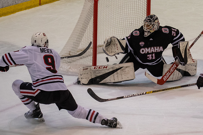 14 Dec 19: Spencer Meier (St. Cloud State - 9), Isaiah Saville (Nebraska Omaha - 31). The St. Cloud State University Huskies host the University of Nebraska Omaha Mavericks in a NCHC matchup at the Herb Brooks National Hockey Center in St. Cloud, MN. (Jim Rosvold)