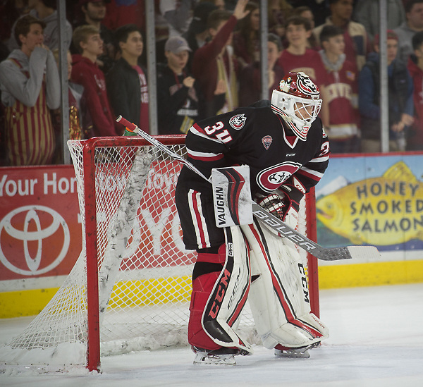 Dávid Hrenák of St. Cloud State. St. Cloud State at Denver, Magness Arena, 11/11/17. (Candace Horgan)