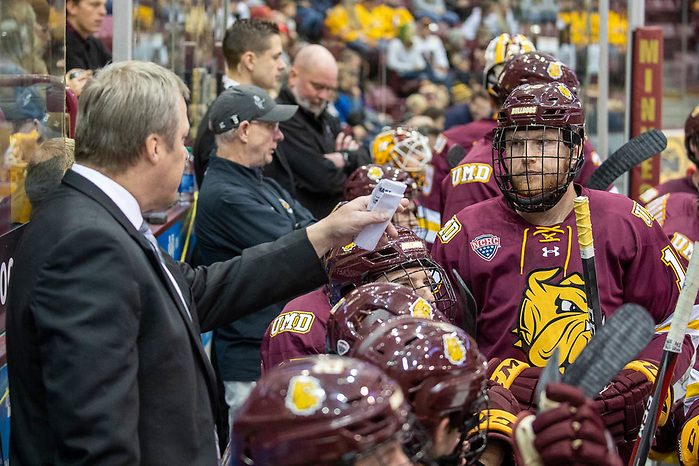 25 Oct 19: The University of Minnesota Golden Gophers host the Uniiversity of Minnesota Duluth Bulldogs in a non-conference matchup at 3M Arena at Mariucci in Minneapolis, MN. (Jim Rosvold/USCHO.com)