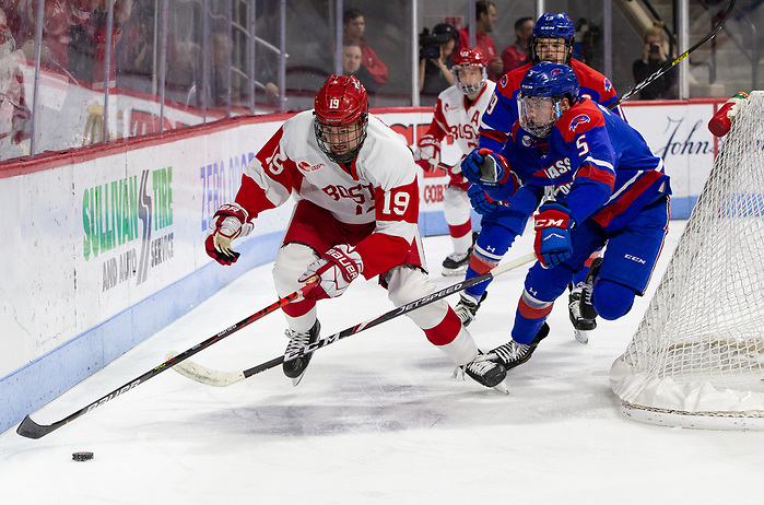 BOSTON, MA - JANUARY 24: Jack DeBoer #19 of the Boston University Terriers. Boston University plays UMass Lowell during NCAA men's hockey at the Agganis Arena on January 24, 2020 in Boston, Massachusetts. The Terriers won 5-0. (Photo by Rich Gagnon/USCHO) (Rich Gagnon)