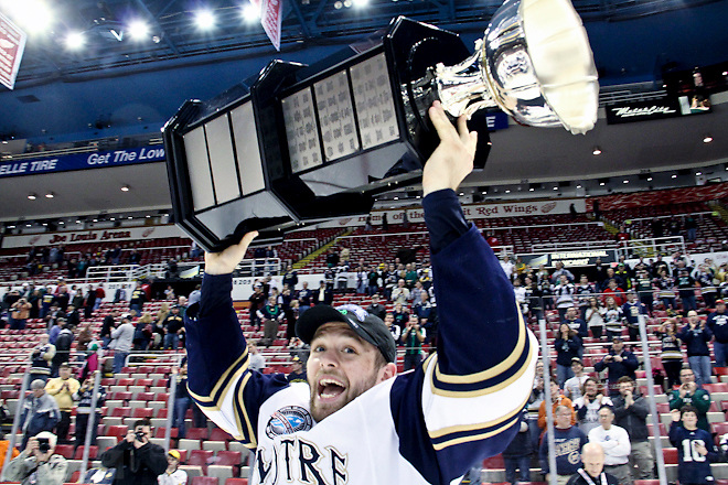 24 MAR 2013: Bryan Rust (Notre Dame - 21)  Notre Dame wins the final CCHA Championship at Joe Louis Arena in Detroit, MI.  (USCHO - Rachel Lewis) (©Rachel Lewis)