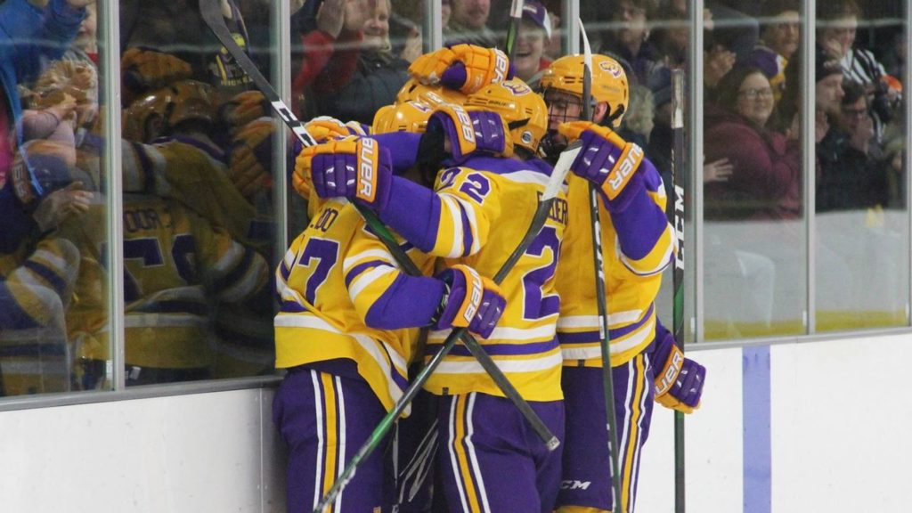 This Week in College Hockey: Teams competing for conference title have momentum on their side