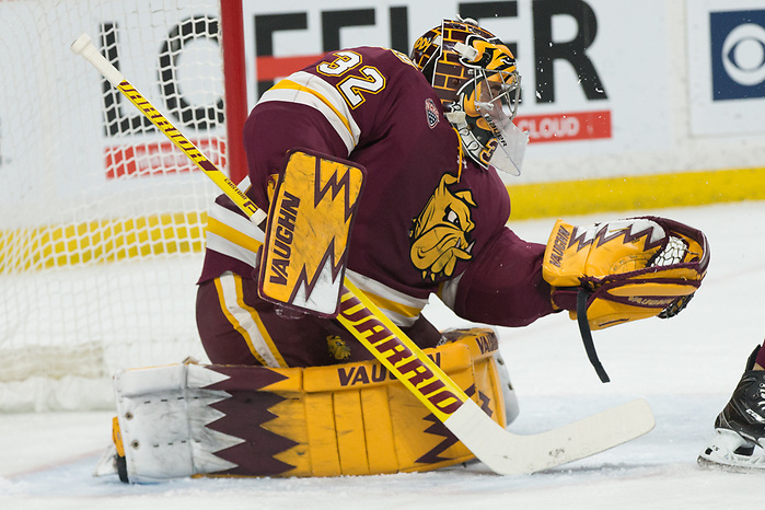 Hunter Shepard (Minnesota-Duluth -32) 2019 March 23 University of Minnesota Duluth and St. Cloud State University meet in the championship game of the NCHC Frozen Face Off at the Xcel Energy Center in St. Paul, MN (Bradley K. Olson)